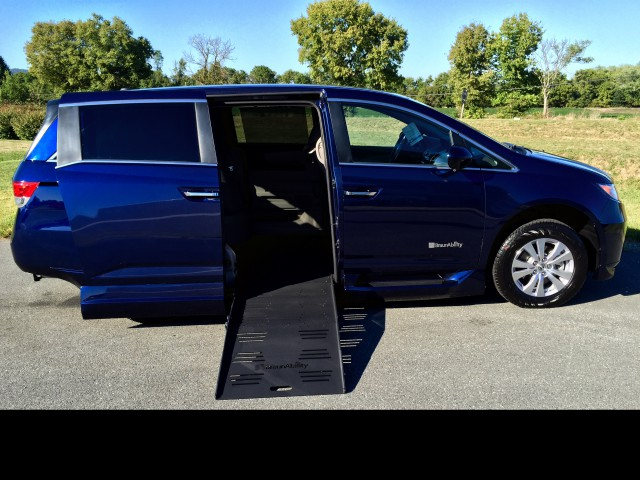 2015 Honda Odyssey BraunAbility Entervan II Wheelchair Van For Sale