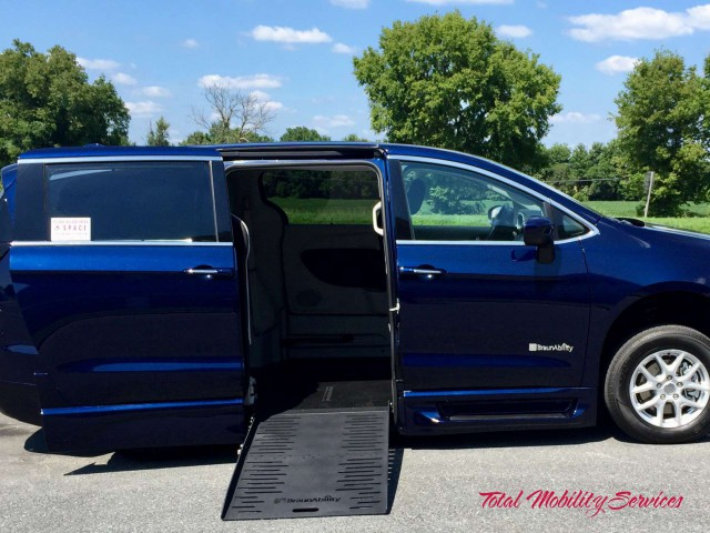 2017 Chrysler Town and Country  Wheelchair Van For Sale