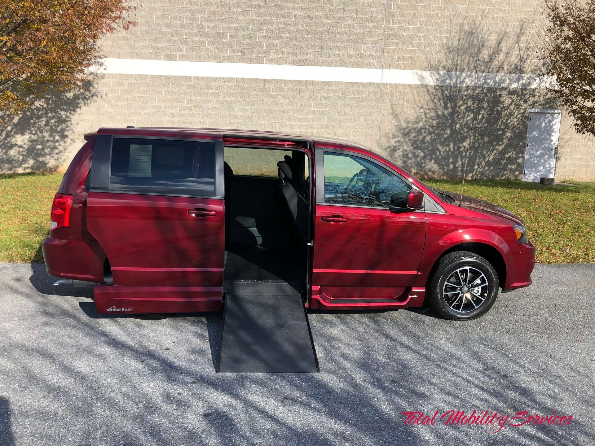 2019 Dodge Grand Caravan | Conversion: VMI Dodge Northstar