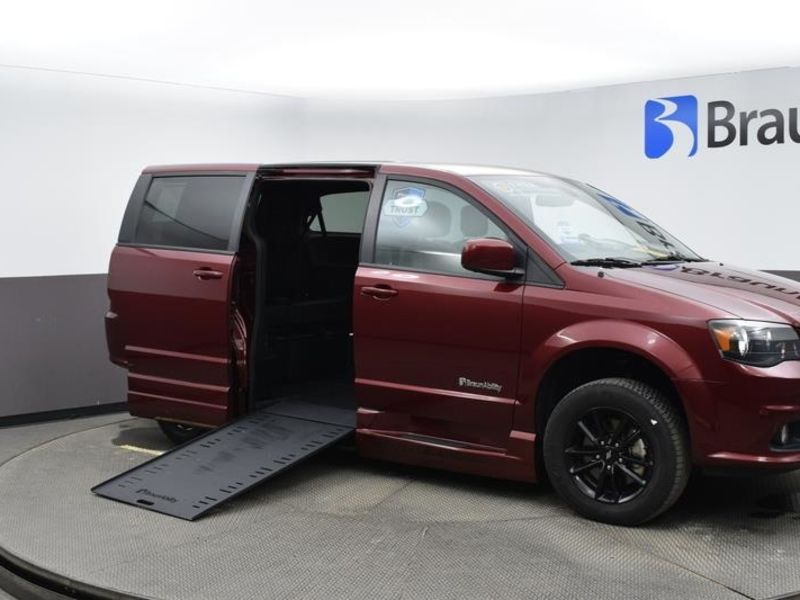 Used 2019 Dodge Grand Caravan.  ConversionBraunAbility Dodge Entervan Xi Infloor